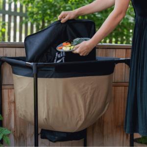 Organische Küchenabfälle werden in der Wormbag entsorgt